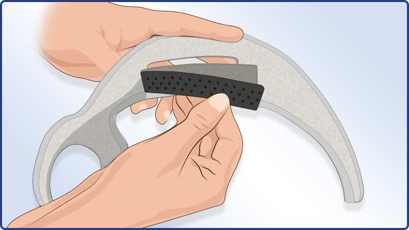 Anlegeanleitung Masalo Manschette MED - Benutzung des Silikonstreifens gegen Abrutschen des Oberarmgurts